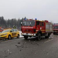 2018-03-19_B12_Kaufbeuren_Neugablonz_Lkw-Unfall_Feuerwehr_0004