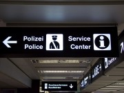 Flughafen Airport Kontrolle