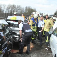 2018-04-13_A96_Aitrach_Memmingen_UNfall_Stau_Feuerwehr_0010