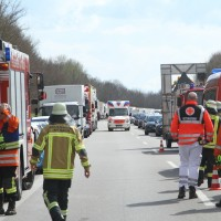 2018-04-13_A96_Aitrach_Memmingen_UNfall_Stau_Feuerwehr_0023