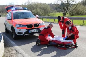 2018-04-14_Schlingen_Pforzen_Pkw_Fahrradfahrerin_Unfall_Rettungshubschrauber_Bringezu_0005
