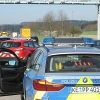 2018-04-18_A96_Stetten_Unfall_Polizei_0011
