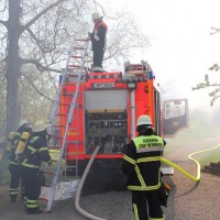 2018-04-20_Memmingen_Buxach_Brand_Schuppen_Feuerwehr_0004
