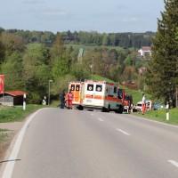 2018-04-24_Ostallgaeu_Oberguenzburg_Frontal_Unfall_schwer_Feuerwehr_0001