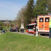 2018-04-24_Ostallgaeu_Oberguenzburg_Frontal_Unfall_schwer_Feuerwehr_0002