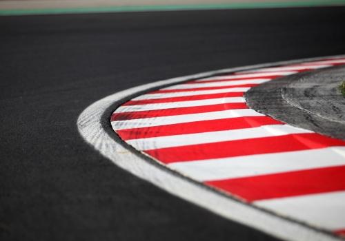 Fahrbahnmarkierung auf einer Formel-1-Rennstrecke, über dts Nachrichtenagentur