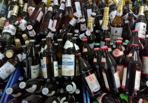 Bierflaschen, über dts Nachrichtenagentur