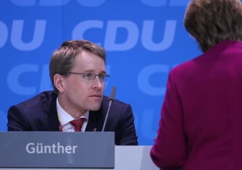 Daniel Günther und Angela Merkel, über dts Nachrichtenagentur