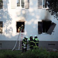 2018-06-14_Memmingen_Zimmerbrand_Mehrfamilienhaus_Feuerwehr_0005