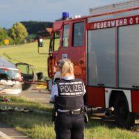 2018-06-21_B30_Oberessendorf_Unfall_Lkw_Pkw_toedlich_Feuerwehr_0033