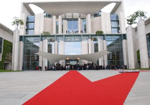 Roter Teppich bei Staatsbesuch im Kanzleramt, über dts Nachrichtenagentur