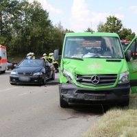 Unfall Mindelheim Gernstall Cabrio Kleinlaster gerammt Bringezu 03.08 (6)