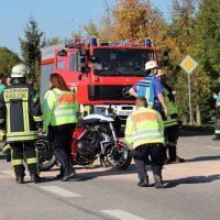 2018-10-13_Ravensburg_Kisslegg_Zaisenhofen_Motorradunfall_Feuerwehr20181013_0016