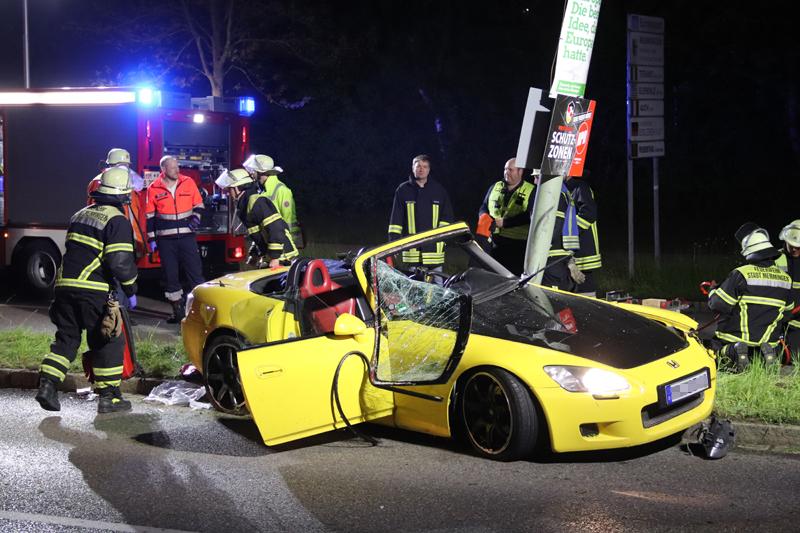2019-05-10_Memmingen_Unfall_Donaustrasse_Feuerwehr_Poepel20190510_0011