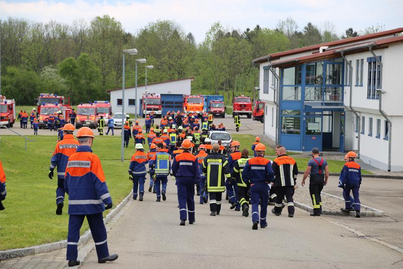 2019-05-25_Jugendfeuerwehr_Memmingen_Unterallgaeu_24-Stunden_Uebung__Flaechenbrand_Oel_Schaum_Poeppel20190525_0051