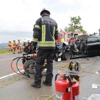 2019-08-15_B19_Kempten_Waltenhofen_Hegge_Unfall_frontal_Feuerwehr_Poeppel_0023