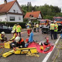 2019-08-15_B19_Kempten_Waltenhofen_Hegge_Unfall_frontal_Feuerwehr_Poeppel_0032