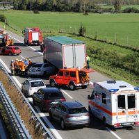 A96_Aichstetten_Aitrach_Unfall_Lkw-Pkw_Feuerwehr_Poeppel_0016