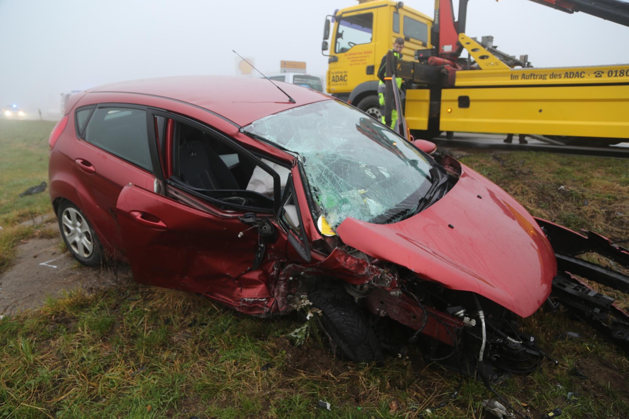 2019-11-22_Kisslegg_Unterhorgen_265_Frontalzusammenstoss_Unfall_Polizei_IMG_2061