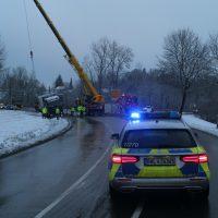 2020-01-20_B465_Leutkirch_Lkw_Unfall_Schnee_Polizei_IMG_5208