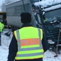 2020-01-20_B465_Leutkirch_Lkw_Unfall_Schnee_Polizei_IMG_5221
