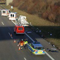 2020-02-10_A96_Aichstetten_Aitrach_Lkw-Unfall_Feuerwehr_IMG_6066