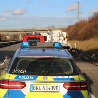 2020-02-10_A96_Aichstetten_Aitrach_Lkw-Unfall_Feuerwehr_IMG_6074