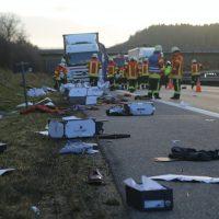 2020-02-10_A96_Aichstetten_Aitrach_Lkw-Unfall_Feuerwehr_IMG_6086