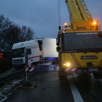 2020-02-11_A7_Groenenbach_Lkw-Unfall_Polizei_IMG_6108