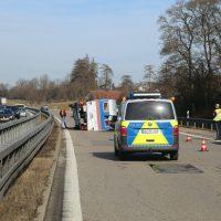 2020-02-15_A96_Aitrach_Memmingen_Unfall_Anhaenger_Wohnmobil_Polizei_IMG_6123