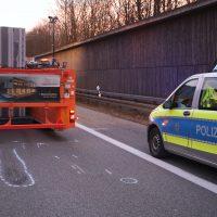 2020-02-25_A96_Leutkirch_Aichstetten_Lkw_Pkw_Feuerwehr_BX4A3079
