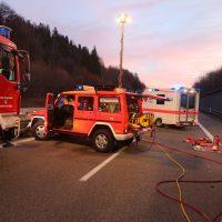 2020-02-25_A96_Leutkirch_Aichstetten_Lkw_Pkw_Feuerwehr_BX4A3080