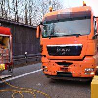 2020-02-25_A96_Leutkirch_Aichstetten_Lkw_Pkw_Feuerwehr_BX4A3090