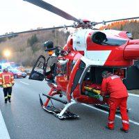 2020-02-25_A96_Leutkirch_Aichstetten_Lkw_Pkw_Feuerwehr_BX4A3107