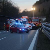 2020-02-25_A96_Leutkirch_Aichstetten_Lkw_Pkw_Feuerwehr_BX4A3114