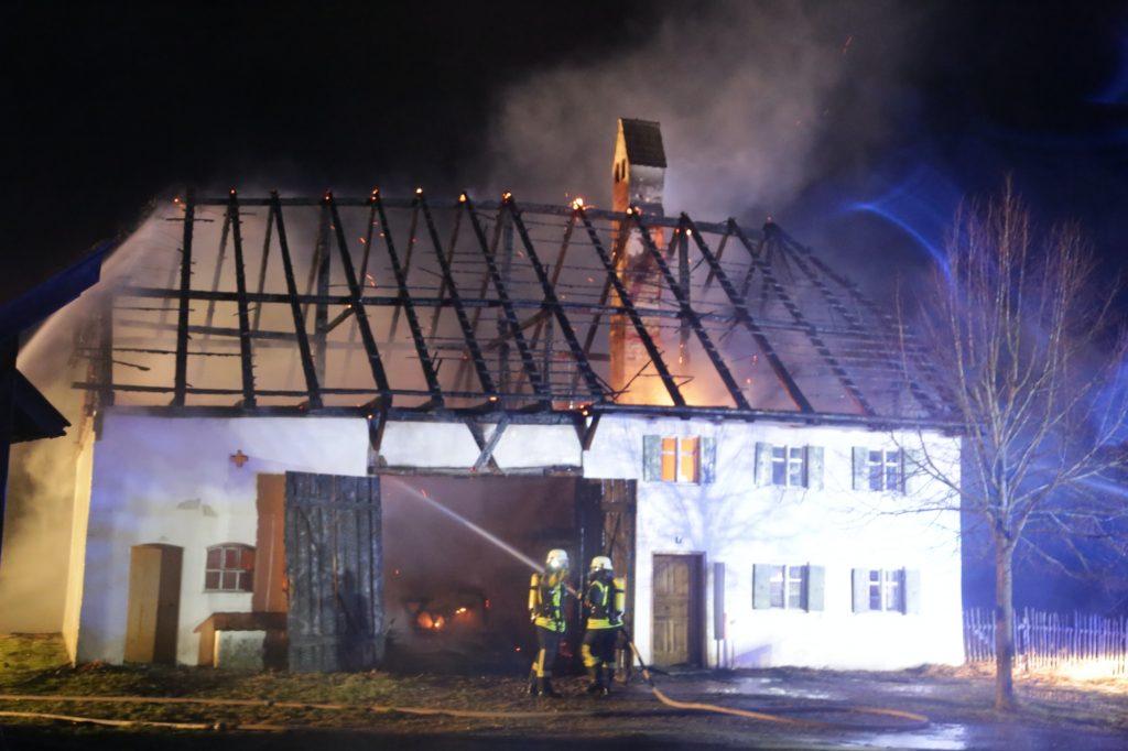 2020-02-29_Unterallgaeu_Illerbeuren_Funken_Bauernhofmuseum_Brand_Feuerwehr_IMG_6258