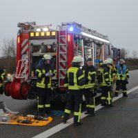 2020-03-10_A7_Dettingen_Berkheim_Unfall_Pferdetransporter_Feuerwehr_IMG_6361