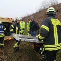 2020-03-10_A7_Dettingen_Berkheim_Unfall_Pferdetransporter_Feuerwehr_IMG_6368