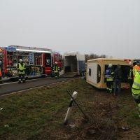 2020-03-10_A7_Dettingen_Berkheim_Unfall_Pferdetransporter_Feuerwehr_IMG_6371