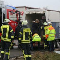 2020-03-10_A7_Dettingen_Berkheim_Unfall_Pferdetransporter_Feuerwehr_IMG_6373