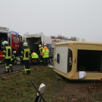 2020-03-10_A7_Dettingen_Berkheim_Unfall_Pferdetransporter_Feuerwehr_IMG_6374