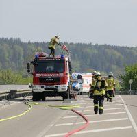 2020-02-26_Aitrach_Bruecke_A96_Wohnmobil_Brand_Feuerwehr_Poeppel_IMG_6575