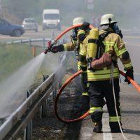 2020-02-26_Aitrach_Bruecke_A96_Wohnmobil_Brand_Feuerwehr_Poeppel_IMG_6582