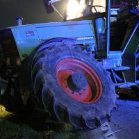 2020-04-07_B16_Baisweil_Traktor_Pkw-Unfall_Feuerwehr AOV_A7B14971-2BA9-4212-94F8-67EB9A08CD1A
