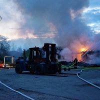 2020-04-27_Unterallgaeu_Fellheim_Brand_Industriepark_Feuerwehr_Poeppel_DSC01542