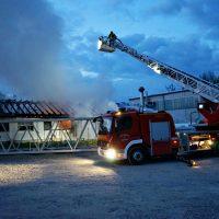 2020-04-27_Unterallgaeu_Fellheim_Brand_Industriepark_Feuerwehr_Poeppel_DSC01547