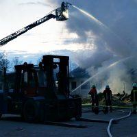 2020-04-27_Unterallgaeu_Fellheim_Brand_Industriepark_Feuerwehr_Poeppel_DSC01551