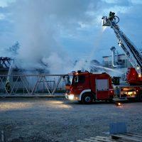 2020-04-27_Unterallgaeu_Fellheim_Brand_Industriepark_Feuerwehr_Poeppel_DSC01556