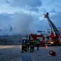 2020-04-27_Unterallgaeu_Fellheim_Brand_Industriepark_Feuerwehr_Poeppel_DSC01558