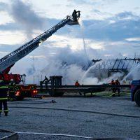 2020-04-27_Unterallgaeu_Fellheim_Brand_Industriepark_Feuerwehr_Poeppel_DSC01559